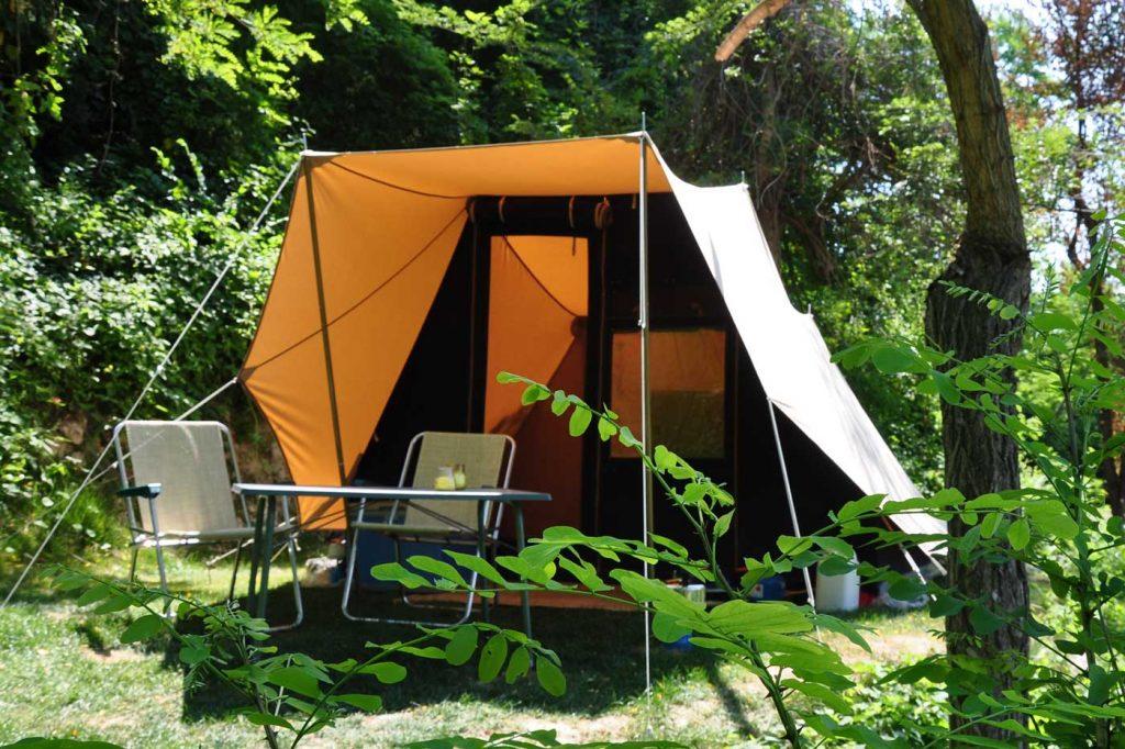 tent op camping piemonte